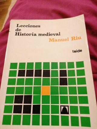 Lecciones de historia medieval. Manuel Riu. Teide