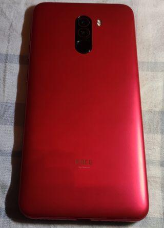Pocophone F1 rojo en perfecto estado con extras.