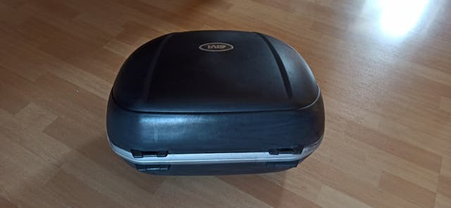 maleta de moto givi v46