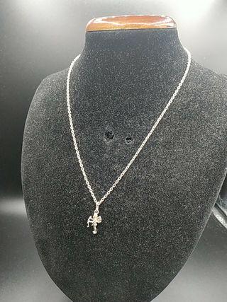 cadena de plata y colgante angelito