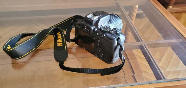 Nikon d3500 - Cámara Reflex + Funda + SD 32 gb