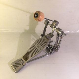 Pedal de bombo batería MAPEX maza de madera