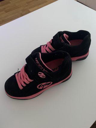 Sneakers Heelys. Zapatillas con ruedas.