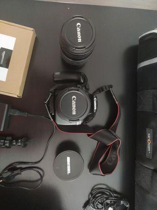Canon EOS 1100D y accesorios