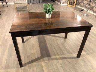 Mesa de madera maciza para comedor