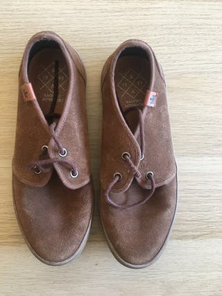 Calzado Kaotiko Bcn marrón