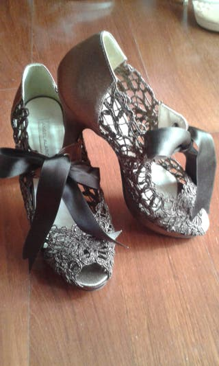 Zapatos fiesta.