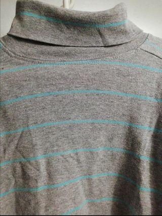 Camiseta manga larga.