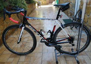 Talla M. Bicicleta SCOTT de CARBONO en ULTEGRA