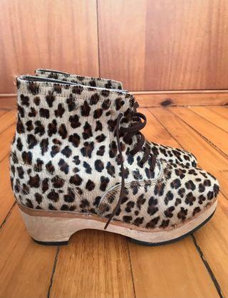 Zuecos leopardo