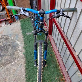 bici orbea con frenos elixir 3!!