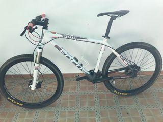 """Bicicleta focus 26"""" talla M"""