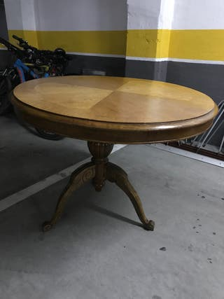 Mesa redonda comedor antigua