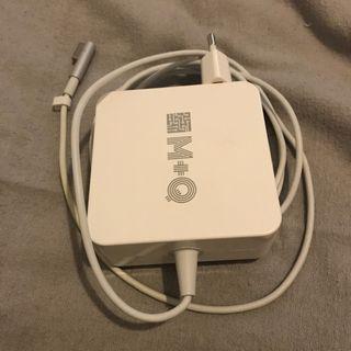 Adaptador de corriente para MacBook antiguo