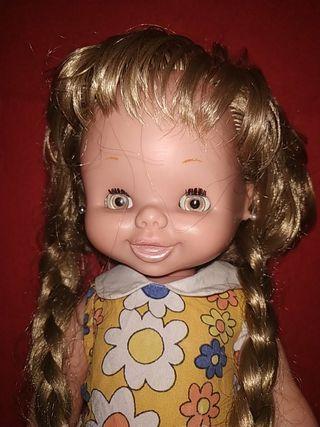 muñeca carolin de famosa