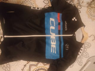 maillot marca cube