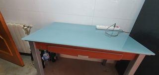 Mesa de cocina marca Cancio