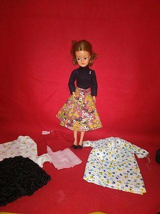 muñeca Sindy de florido años 70