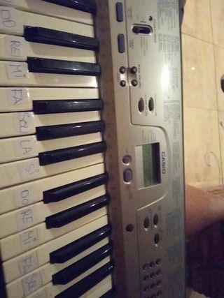 VENDO PIANO CASIO CTK-230
