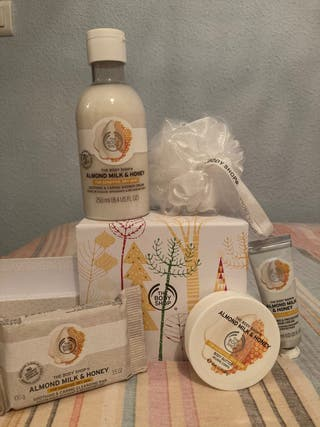 Pack de productos The Body Shop (caja para regalar