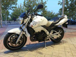 Se vende Suzuki GSR 600cc