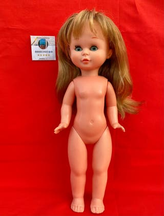 Muñeca Trini de Famosa
