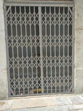 puerta reja sinfonada