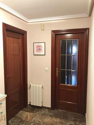 Puertas de madera color sapelly