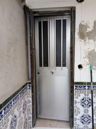 puerta de aluminio de dos hojas Superior, batibles