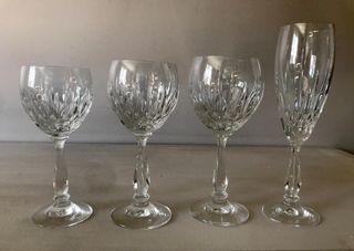 Juego de 48 copas de cristal tallado