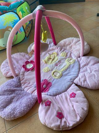 Gimnasio para bebé niña