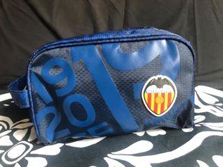 Neceser Valencia C. F.