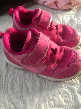 Zapatillas niña T25