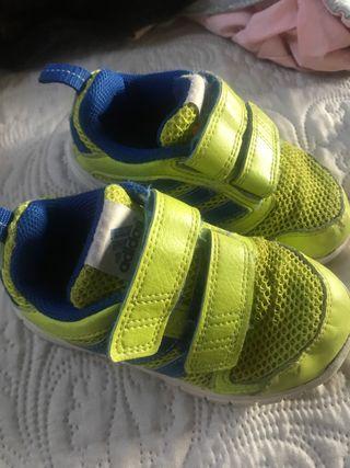 Zapatillas Adidas T24