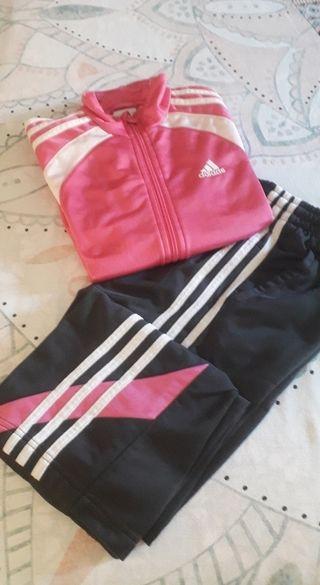Chándal Adidas talla 9/10 años