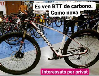 Bici btt de carbono focus.