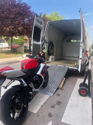 Transporte de moto. Derbi . Ducati . Honda