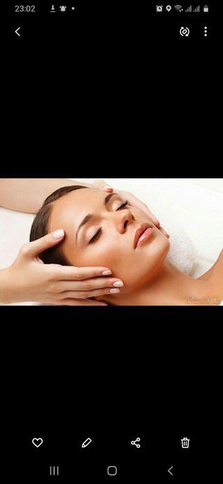 masaje de la cara y cuello