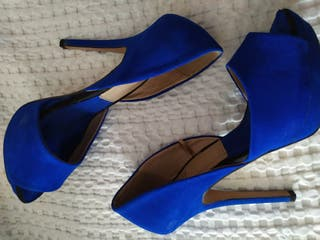 Tacones azules Zara