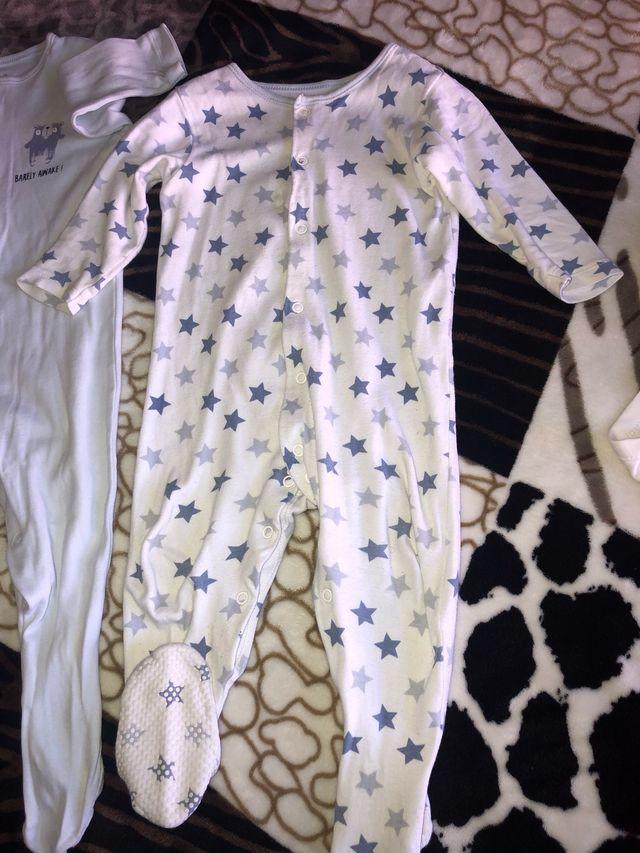 Lote 2 pijamas y 3 body's bebe +regalo