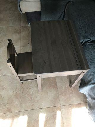 Mesa pupitre y silla ikea para niños
