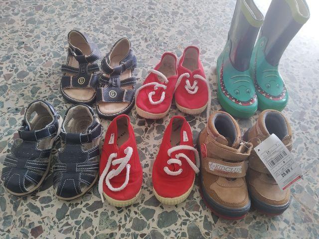 6 pares de calzado tallas 24 y 25