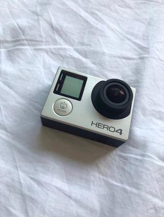 GOPRO HERO4 Silver con maletín de accesorios