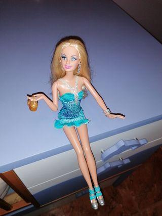 Barbie de fiesta.