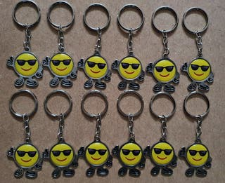 Pack de 12 llaveros de Emoji con gafas (Nuevos)