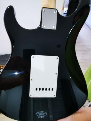 Guitarra yamaha + amplificador marsall