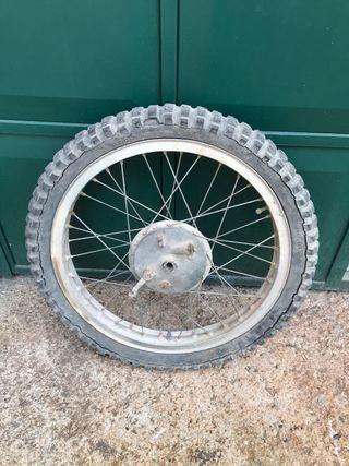 Bultaco Alpina 360 rueda delantera