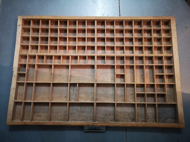 Cajón imprenta mueble chibalete con tara