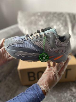 Adidas YEEZY Boost 700 Wave Runner Inertia.