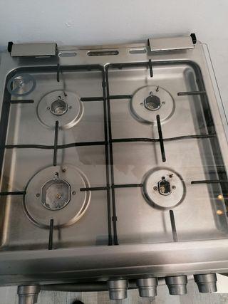 Cocina corberó 4 fogones y horno